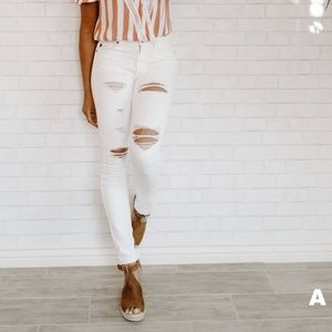 NWT Distressed White Skinny Jeans